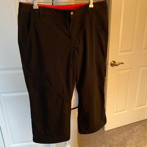 Eddie Bauer 14 Black Travex Crop Tech Pant